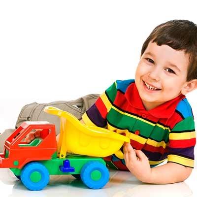 Carros, camiões e outros veículos infantis