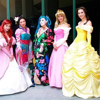 Príncipes, princesas, reis, fadas, duendes e conto