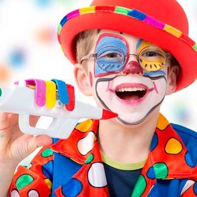 Palhaços, circo, bobos e arlequins