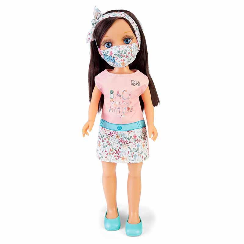 Nancy, um dia com máscara trendy