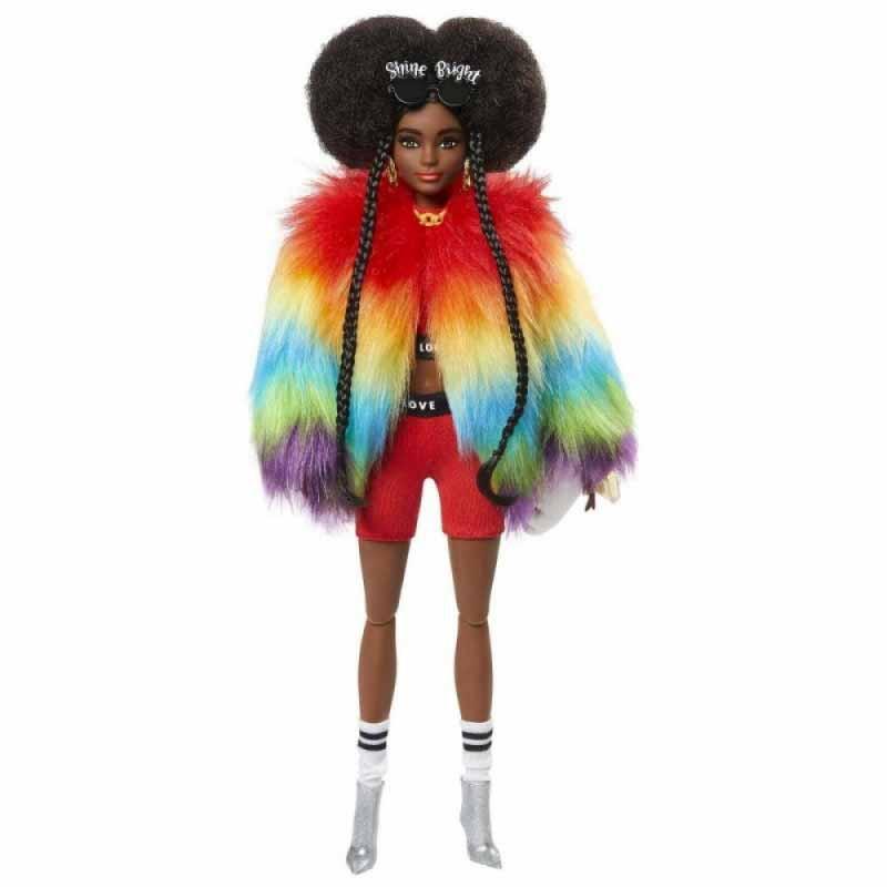 Barbie Extra com casaco arco-íris
